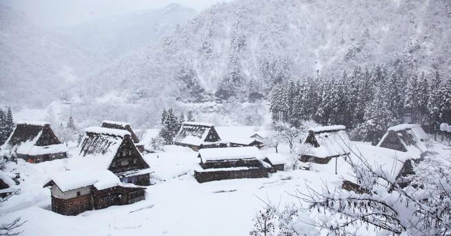 五箇山の冬景色